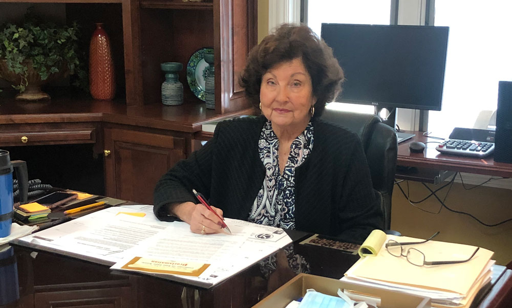 Mayor Allen Signs Proclomation